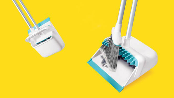 A genius dustpan that keeps dirt from staying stuck in the broom.