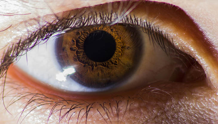 Quality Life Tips - Notice People's Eye Color