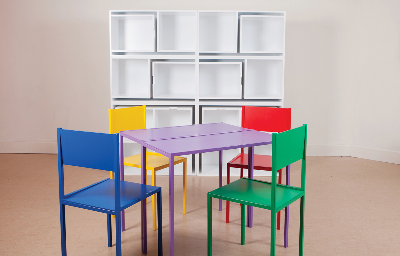 Lovely Chairs And Tables That Fit Into A Shelf