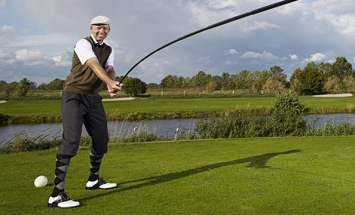This Guy Holds A World Record For Golf, You'll Be Surprise To See For What.