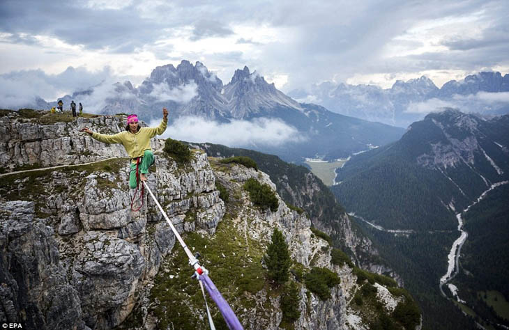 Highline Meeting in the Italian Alps