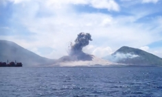 This Is A Thrilling Footage Of A Volcano Eruption! Your Stomach Will Drop At 0:25.