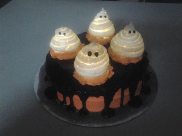 Glowing Ghosts Cake
