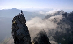 This Is The Most Thrilling Mountain Biking You've Ever Seen. It's Breathtaking!