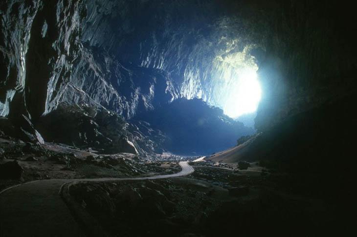 Deer Cave , Borneo, Malaysia