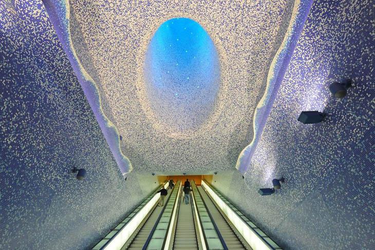 Beautiful Subway Stations - Toledo Metro Station, Naples, Italy