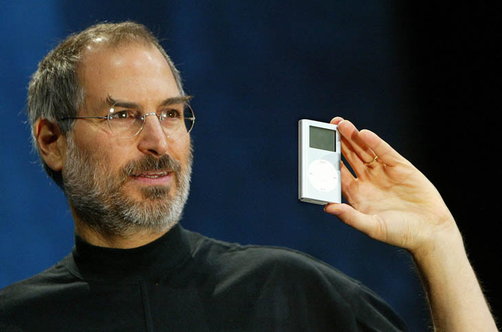 21st century photos - Steve Jobs introduces the first revolutionary music device iPod [2001]