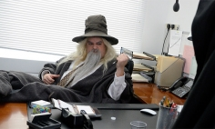 Hobbit Characters Are On New Quest After Saving Middle-earth. They Took Office Job!