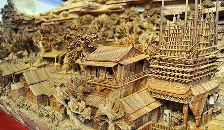 World's Longest Wooden Carving by Zheng Chunhui
