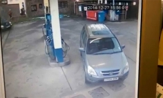 She Can't Fill Her Car Tank With Petrol. Why? You Won't Stop Laughing!