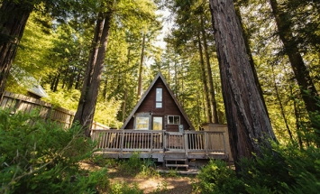 This Tiny House Seems Only Roof From The Outside, But When You Step Inside? WHOA!