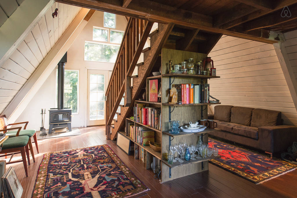 Swell This Tiny House Looks Like Only Roof But Inside Whoa Largest Home Design Picture Inspirations Pitcheantrous
