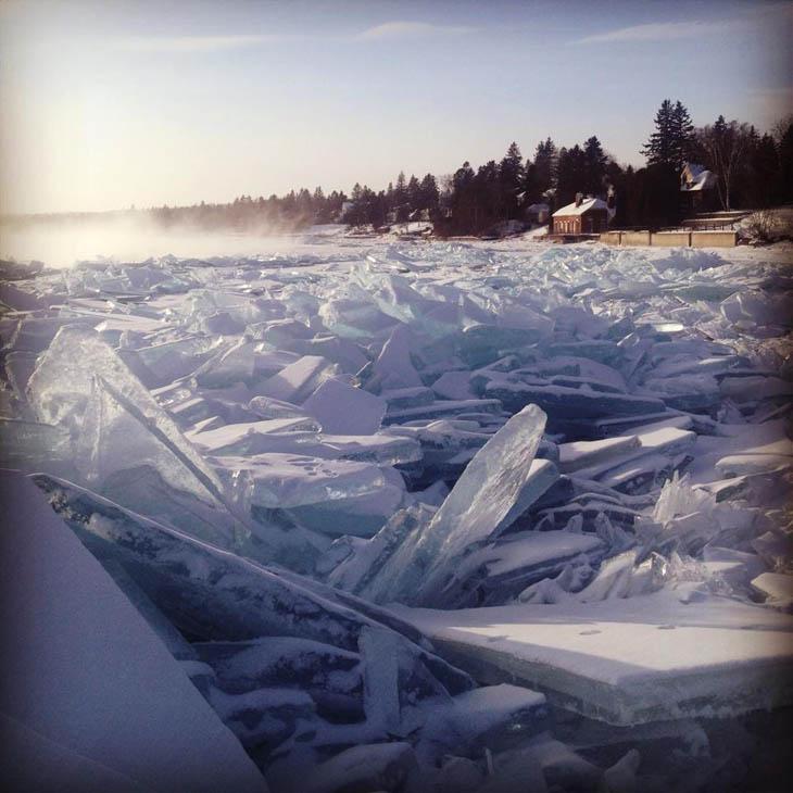 Frozen lakes - Lake Superior Duluth, Minnesota, US