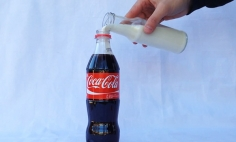 What Happens When You Poured Milk Into Coke? I'm Totally SPEECHLESS.