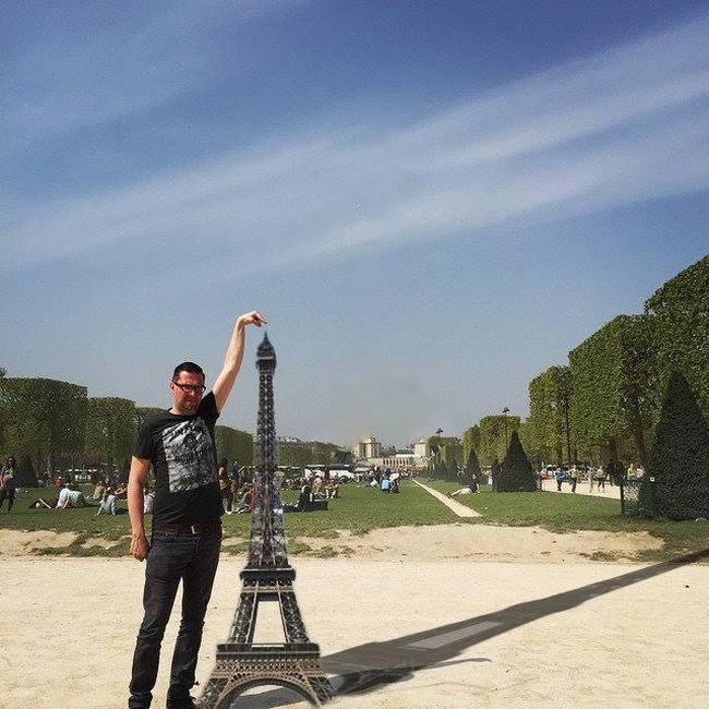 If you can't reach till the Eiffel, let Eiffel reach you.