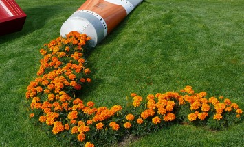 30 Creative Flower Pots Look Like Spilled Liquid. #11 Is Awesome!