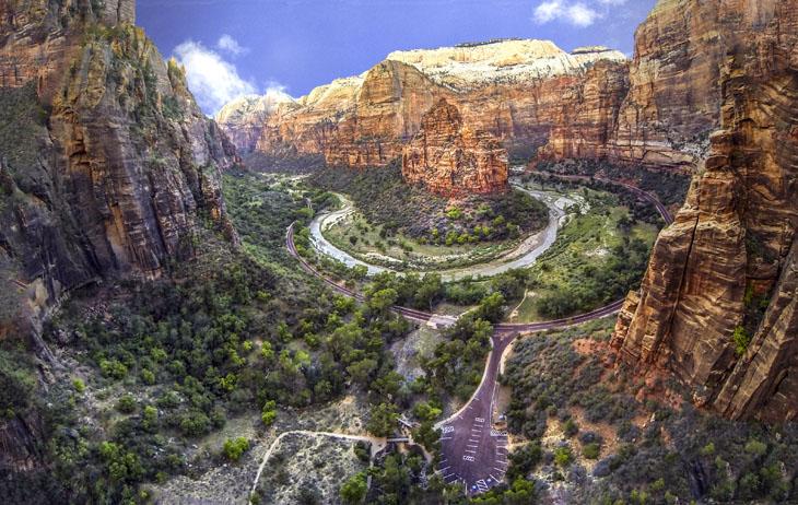 Weeping Rock, Zion, Utah, USA.