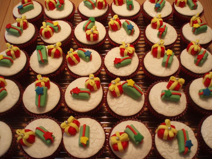 Christmas Gifts Cupcakes
