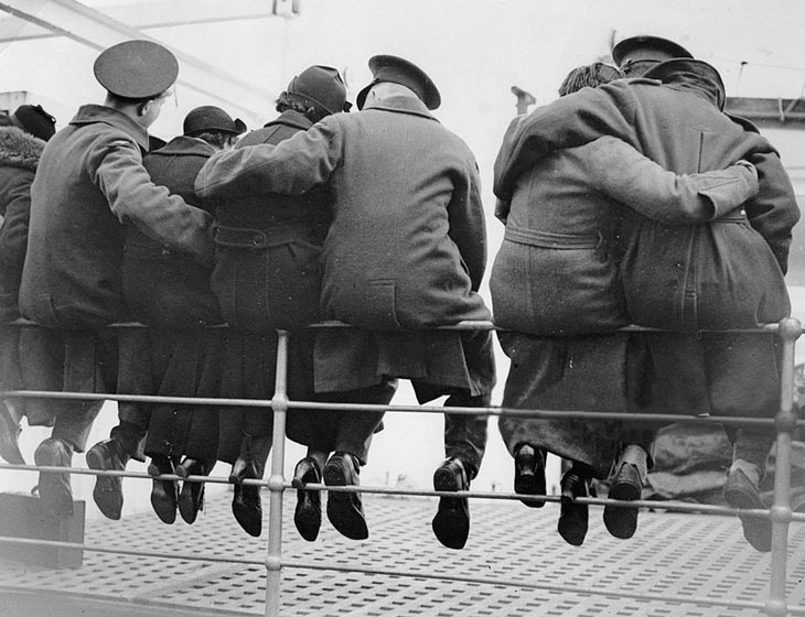 Wartime photos:English Soldiers Saying Goodbye To Their Wives, Getting Ready To Go To Egypt, 1937