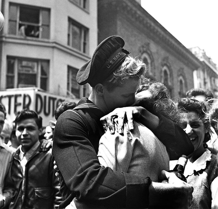 Wartime photos: A Kiss In Times Square Displays The Mood Of The World On V-E Day, New York, May 8, 1945