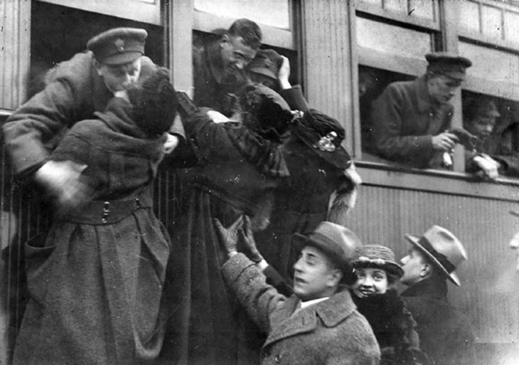 Kissing Their Lovers Goodbye, Toronto, 1914