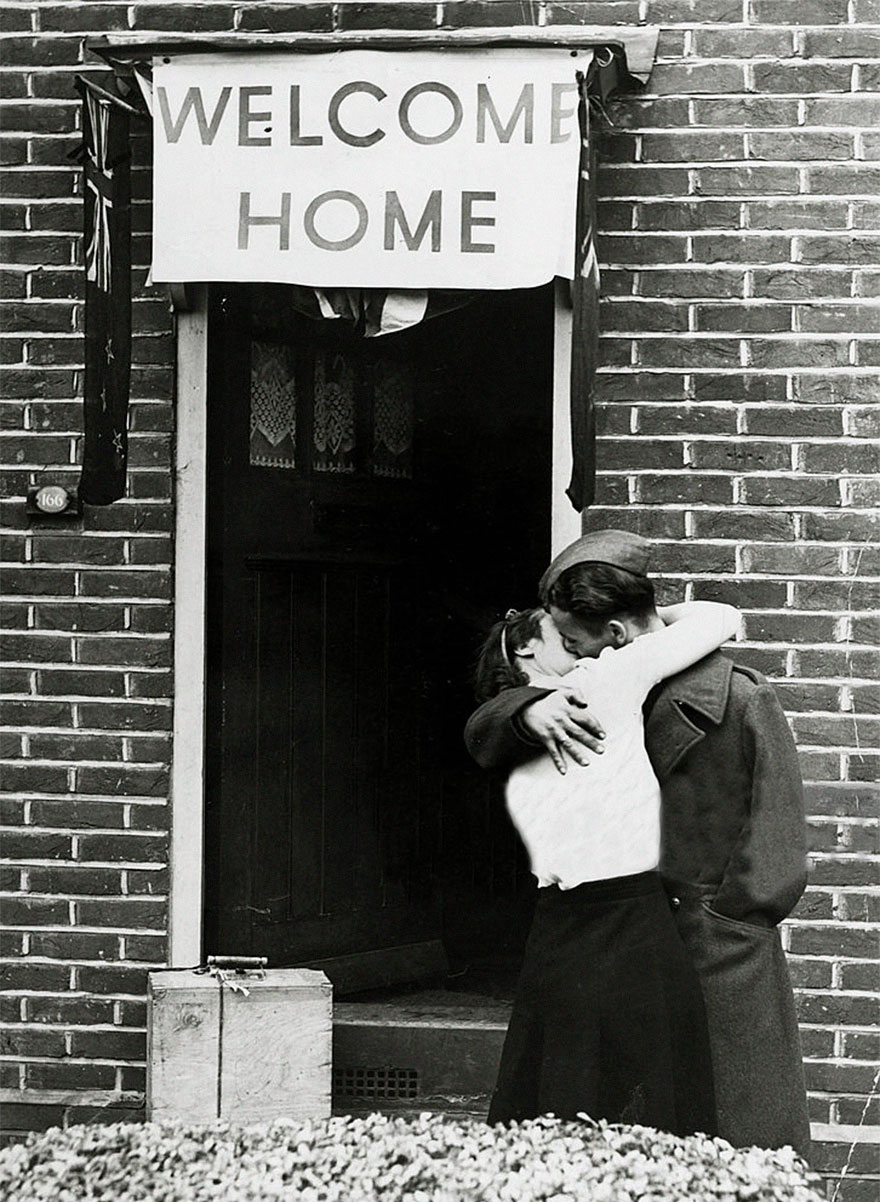 45 Wartime Photos That Show The Importance of Love!
