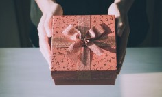 Trendy Gift Ideas for the Upcoming Holidays