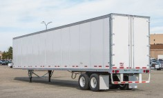 What Is A Dry Van Trailer? 5 Shipping Facts