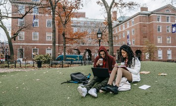 What to Look for When Hiring a College Consultant?